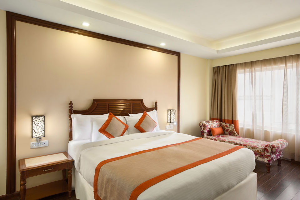 Ramada-Jamshedpur-Bistupur---Club-Heritage-King-Bed-Roomv