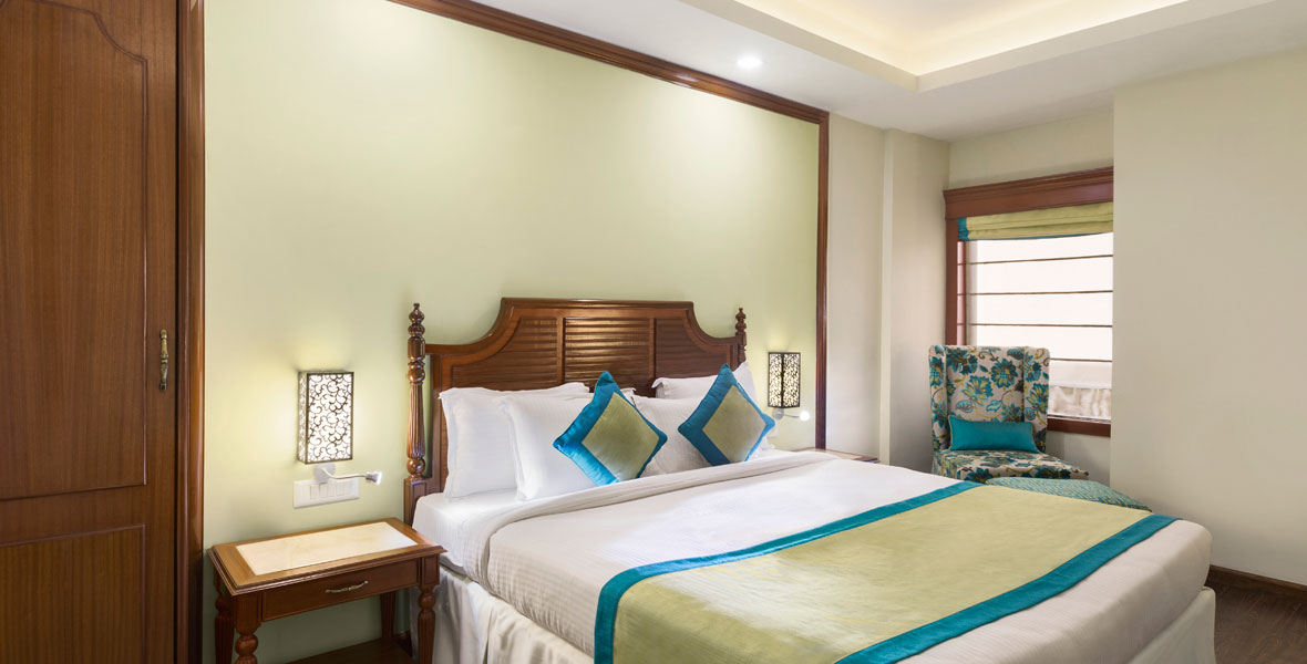 Ramada-Jamshedpur-Bistupur---1-King-Bed-Accessible-Room